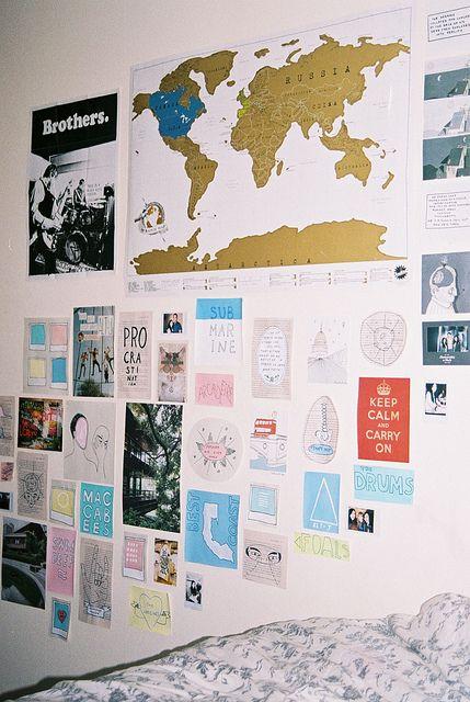 wallpaper in bed room :)