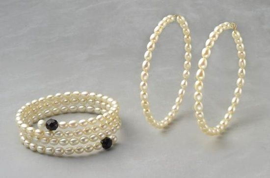 Oval cultured pearls on my new best friend...memory wire. Hoops and bracelet.  Wear the set or chose