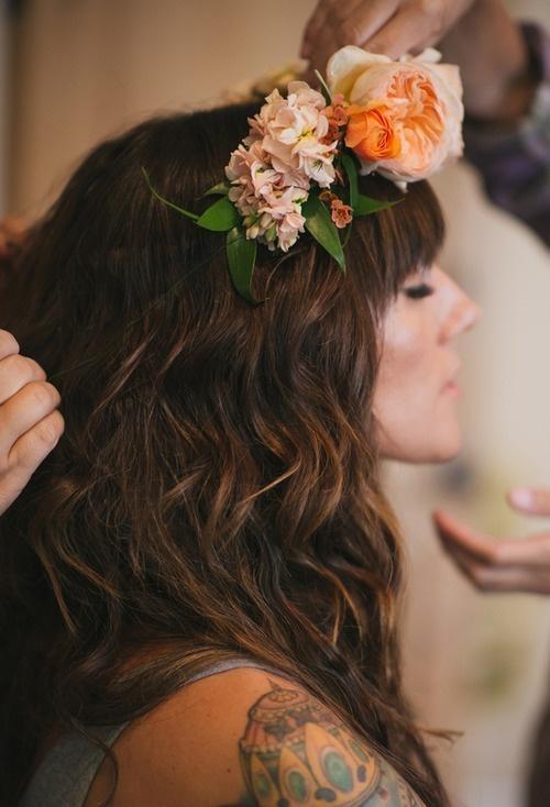 flowers hair roxyheartvintage.com