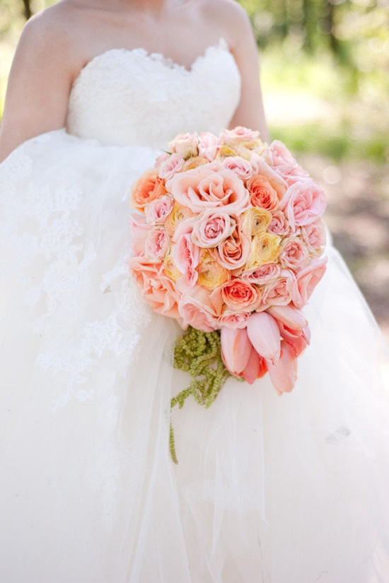 Stunning bouquet by darrylco.com / Photography by natehendersonphot...