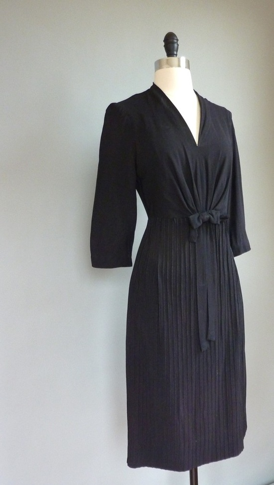 The Paraders Vintage #vintage #dress #1940s - I was born in the wrong era :-)