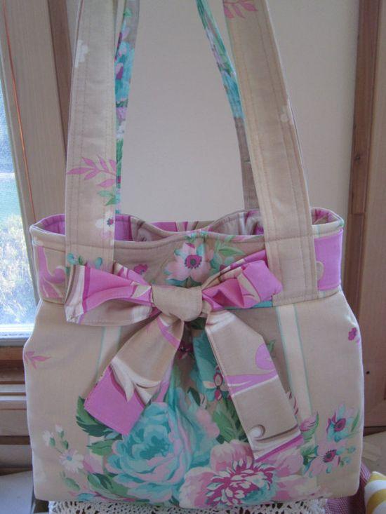 Pleated Handbag Purse Ipad Netbook Tote by Antiquebasketlady, $43.00