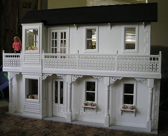 handmade barbie doll house......awesome!