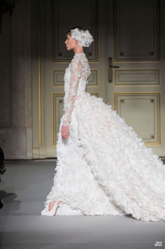 Regal swan! Georges Hobeika HOUTE COUTURE SPRING/SUMMER 2013. @Jason Jones Style Weddings