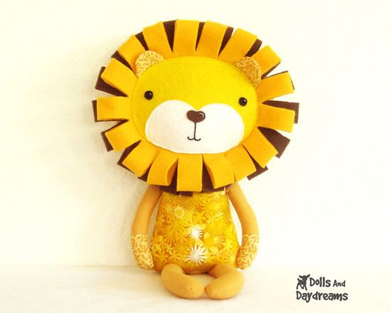 Lion Sewing Pattern PDF Softie DIY Toy by DollsAndDaydreams, $10.00