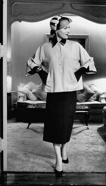A boxy jacket, slim pencil skirt, and delightful hat, 1950. #vintage #fashion #1950s