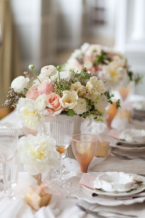Lovely wedding tables / Aisle Candy