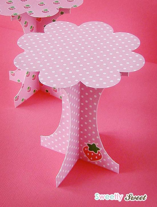 Sweetly Sweet: Mini Paper Cupcake Stands Free File