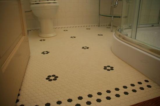 Floor design with flowers