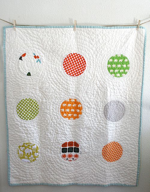 Circles Baby Quilt by Insung from NAMOO, via Flickr
