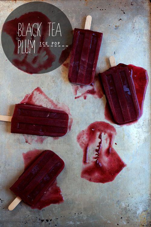 Black Tea Plum Ice Pops // Hungry Girl por Vida