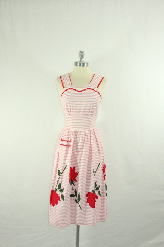 What a tremendously sweet vintage sundress. #vintage #1940s #1950s #summer #fashion