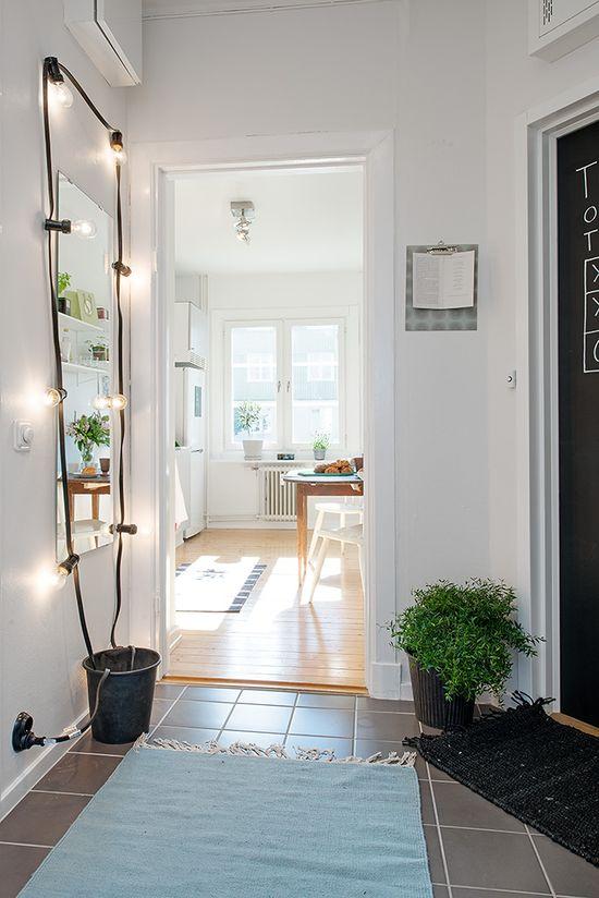 #interior #decor #styling #scandinavian #mirror #entryway #lamp