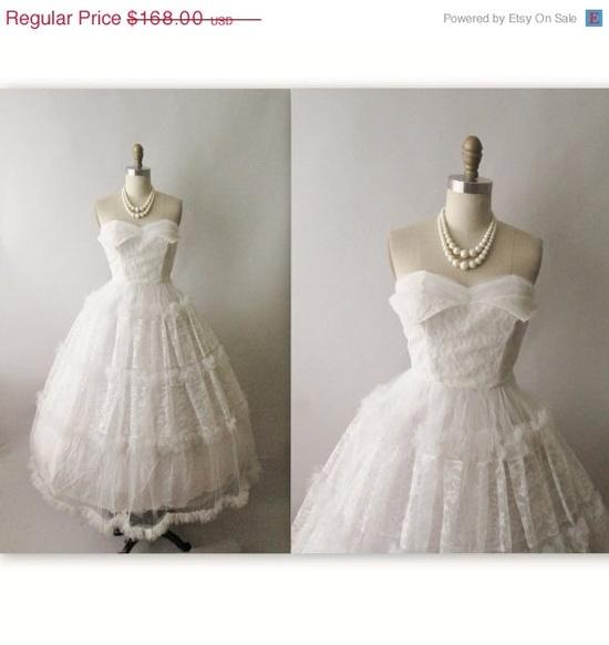 STOREWIDE SALE 1950s Wedding Dress // Vintage by TheVintageStudio, $134.40