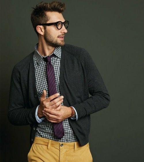 Casual Geek chic, menswear, grey + mustard, sweater jacket + tie