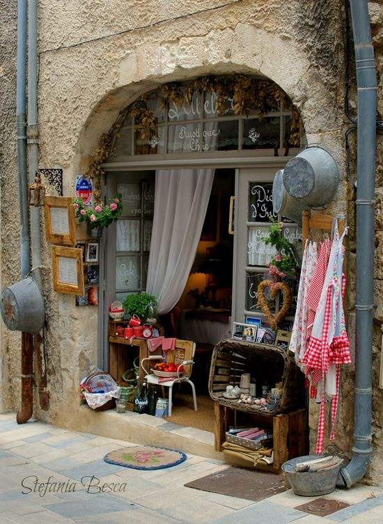 ~Romantic Style~ Ménerbes, France  Would love to own a shop like this..or be there in France living the life!