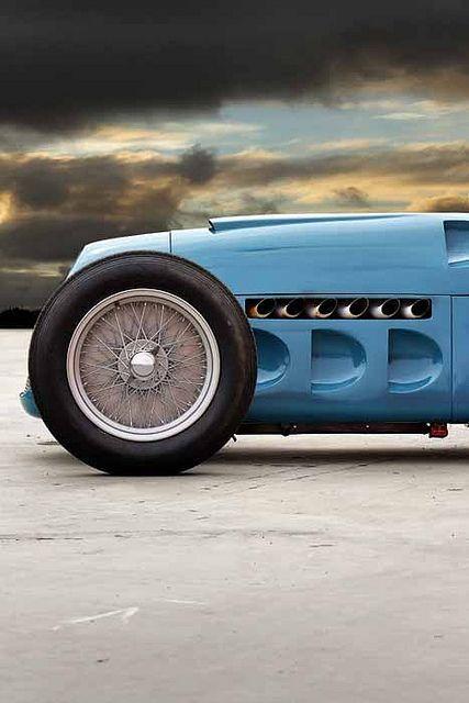 Looks like an old Indy #sport cars #celebritys sport cars #luxury sports cars #ferrari vs lamborghini #customized cars