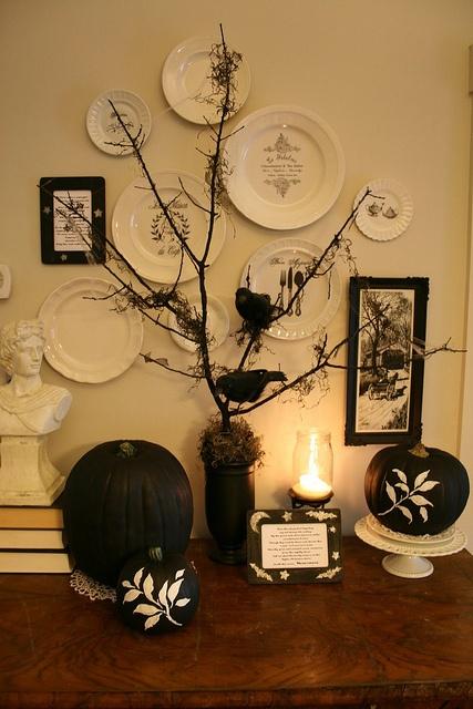 B & W Halloween decor