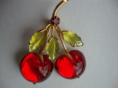 Vintage Австрии стекла Ярко-красный Cherry Брошь Фрукты