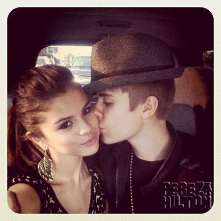 Selena and Justin are the CUTEST couple:)