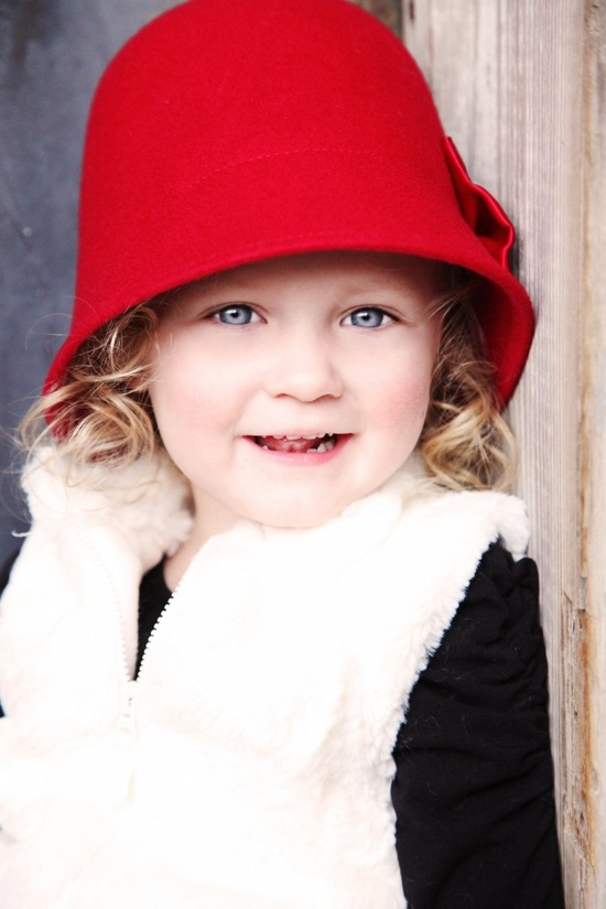 Toddler photo ideas - Love this Red Hat!