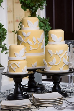 Trio of wedding #cake on gorgeous cake stands
