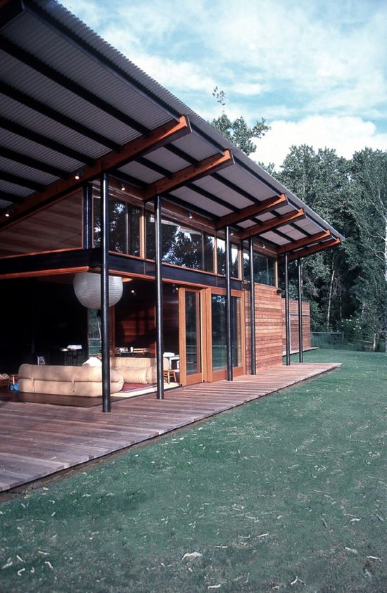 Broadford Farm Pavilion / Lake