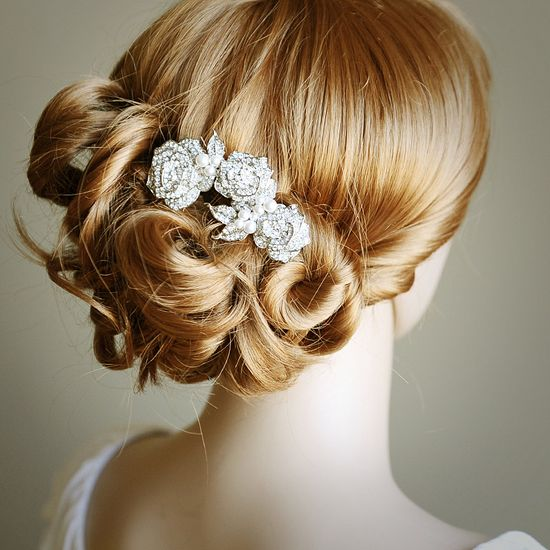 ROSELLE, Bridal Hair Comb, Pearl and Rhinestone Vintage Style Wedding Bridal Hair Comb, Rose Bridal Comb, Wedding Bridal Hair Accessory