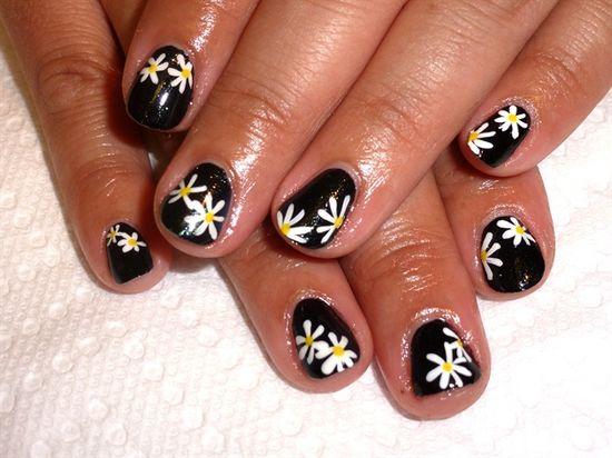 Black White Daisies by MelissaThun - Nail Art Gallery nailartgallery.na... by Nails Magazine www.nailsmag.com #nailart