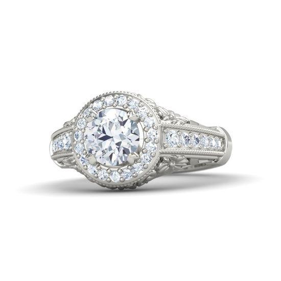 Round Diamond Platinum Ring with Diamond//
