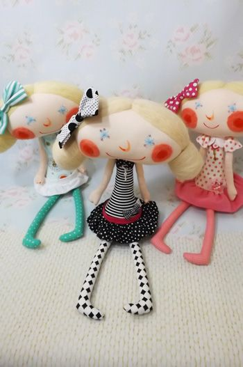 I love handmade dolls with character! Me too!  These are hip little girls. LIKE>