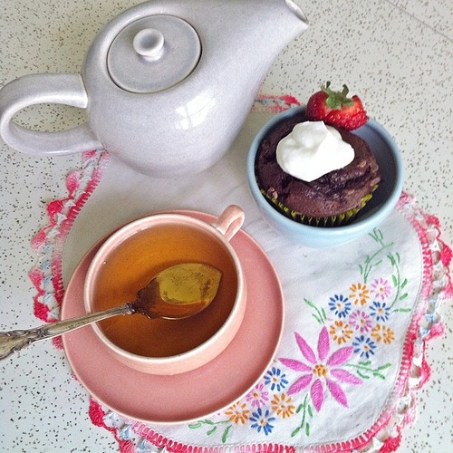 Day 7- style challenge...Breakfast and tea with Vintage Russel Wright dishes