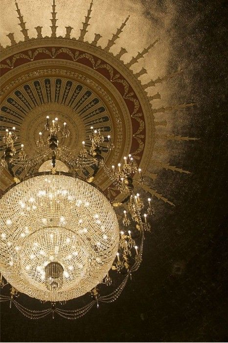 has to be one of the most stunning ceiling treatments ever!