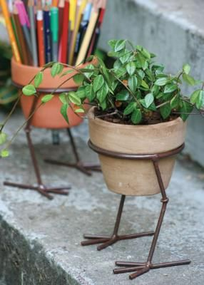 Add character to your pots with this funky Bird Legs Pot Holder...