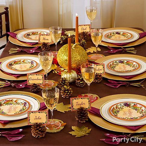 Feast on easy DIY decorating ideas for a gilded Thanksgiving tablescape!