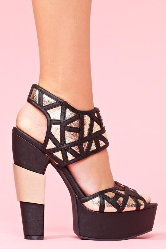 Gia Platform - Black in Shoes at Nasty Gal