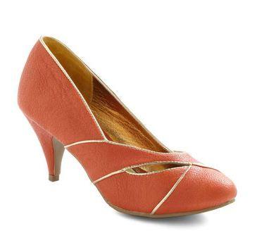 Vintage-inspired mango heels