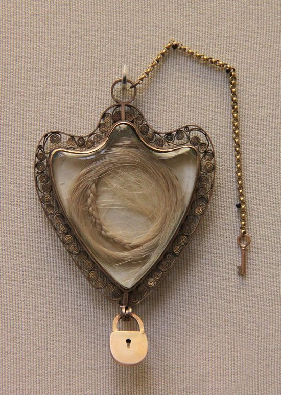 Gold locket with the hair of Queen Marie Antoinette: British Museum