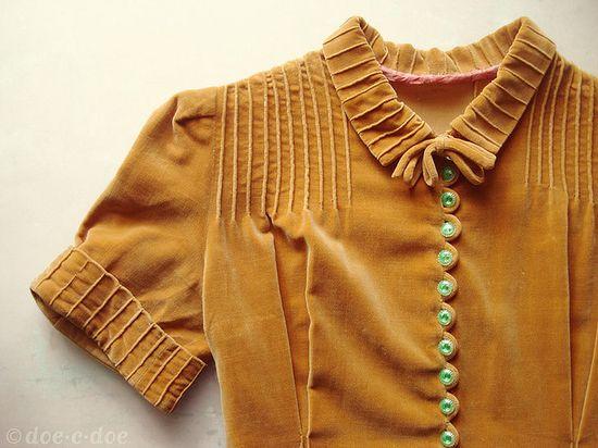 vintage gold velvet dress