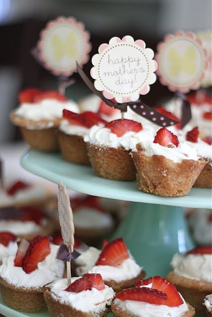 sugar cookie cups with cream and fruit