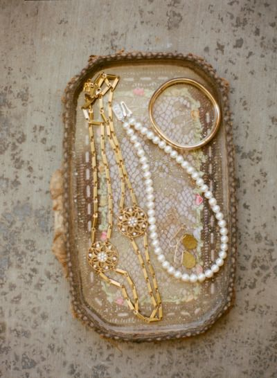 all kinds of #jewelry goodies  Photography by esthersunphoto.com/  Read more - www.stylemepretty...