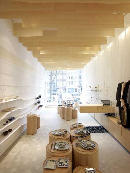 Renovation of the interior of a Japanese shop located in the centre of Amsterdam by NEZU AYMO