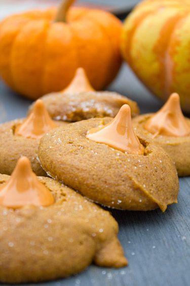 Pumpkin Kiss Cookies via @Nicole Novembrino Cook {Daily Dish Recipes}