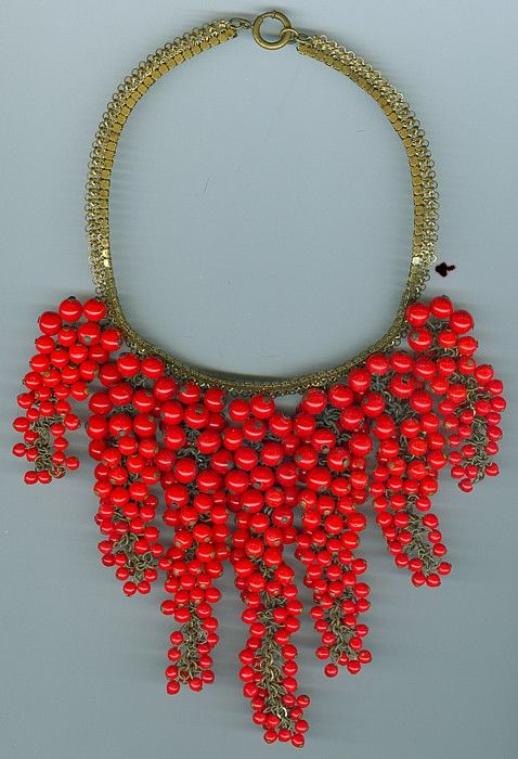 Vintage 1960s Miriam Haskell Necklace. wowzers.
