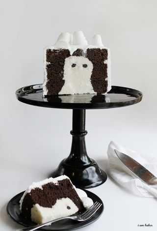 Halloween cake #halloween #cake #ghost