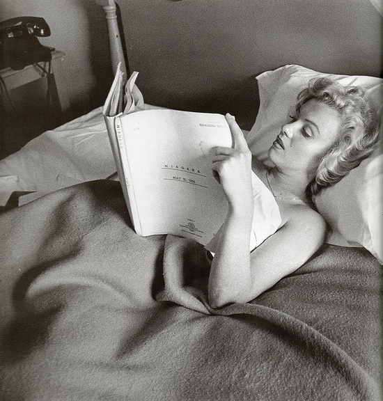 Marilyn Monroe with Niagara script.