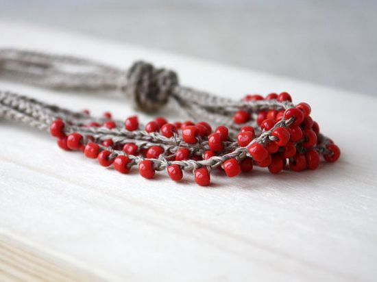 Linen crochet necklace with glass seed beads >> Beautiful!!