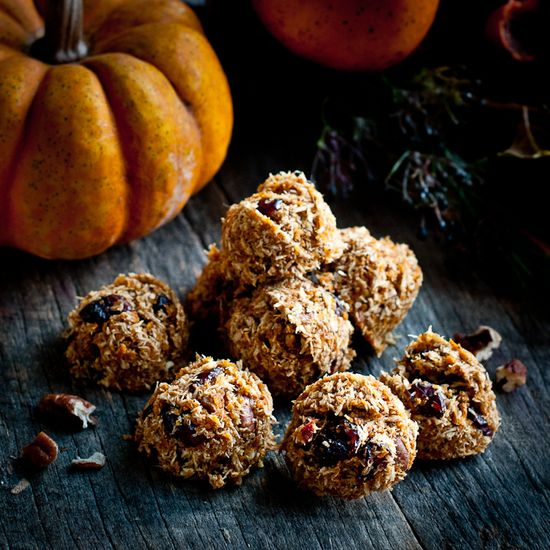 Raw Pumpkin Spice Cookies