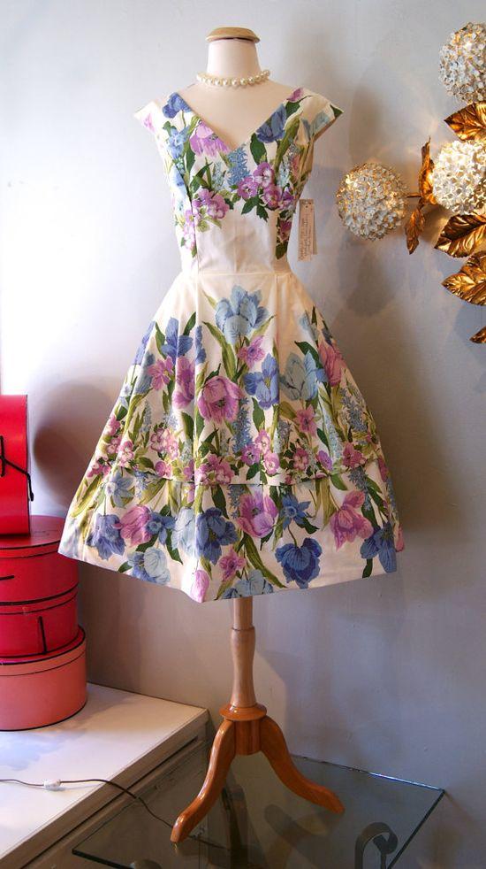 1950s Fabulous Flower Bed Dress