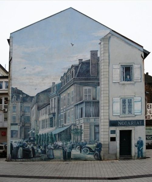3D Art on Side of Apartment building